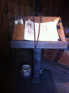 Schreib-/Lesepult im Haus des Clericus. Foto (c) HistoFakt/Jan H. Sachers M.A.