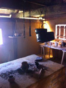 Die Kochstelle wartet darauf, von living history-Gruppen benutzt zu werden! Foto (c) HistoFakt/Jan H. Sachers M.A.