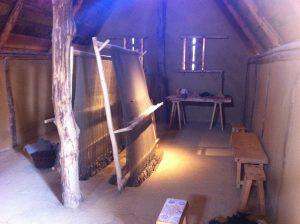 Gewichtswebstühle im Frauenarbeitshaus. Foto (c) HistoFakt/Jan H. Sachers M.A.